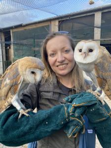 Caroline-and-her-two-owls